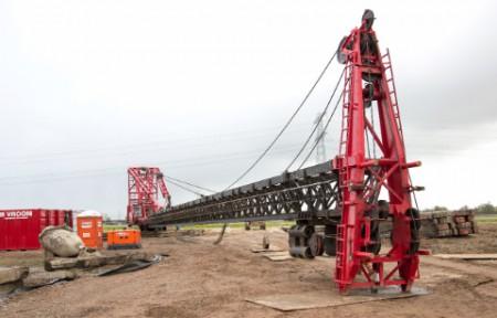 Blik op de bouw van Windpark Nijmegen-Betuwe