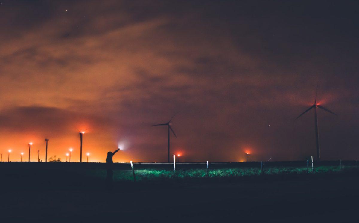 Minder overlast verlichting door radarsysteem bij windturbines